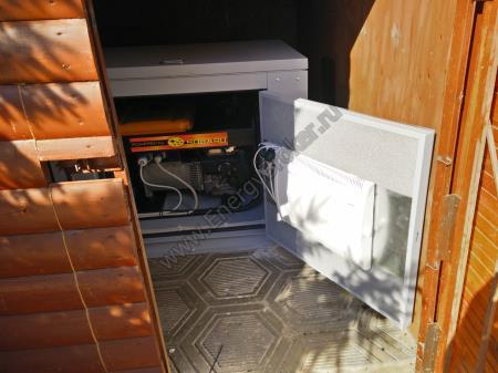 Фото Subaru EB-12/230 смонтированного в мини-контейнере в помещении