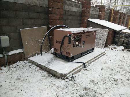 Фото установки генератора TOYO TG-28TBS